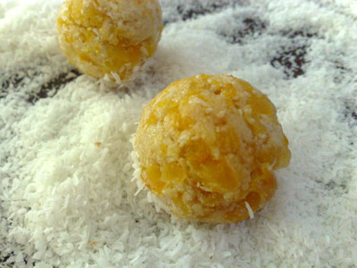 Apricot Balls ready to roll